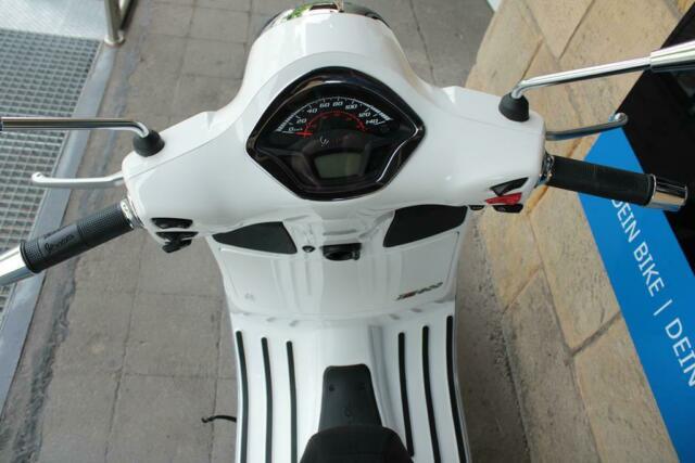 Detailfoto 11 - GTS 300 SUPER SPORT HPE E5 GTS300 - LAGER