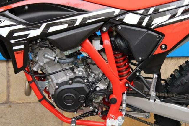 Detailfoto 8 - RR 4T 125 LC ENDURO