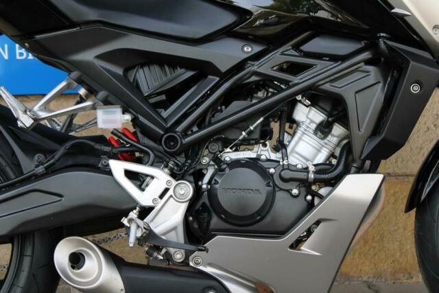 Detailfoto 5 - CB 125R CB125R - TOP ZUSTAND